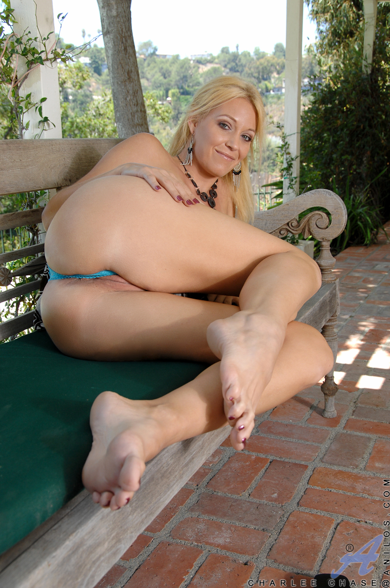 hot mommy pussy picture