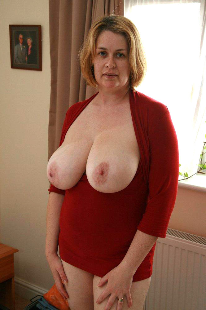 Amateur milf loves cock