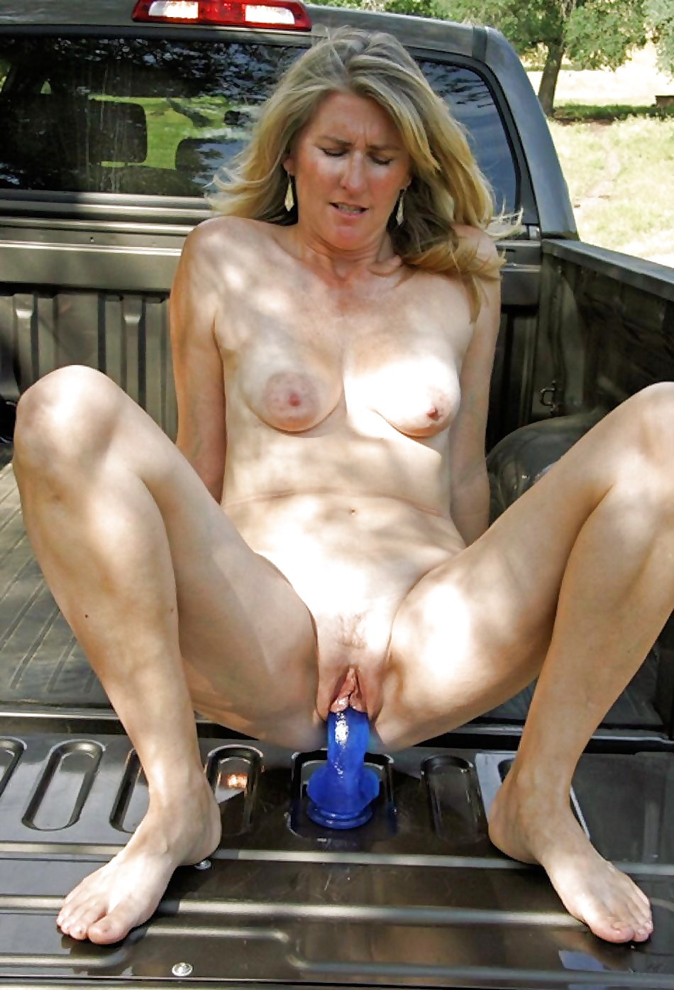 Biggest dick giving her a creampie